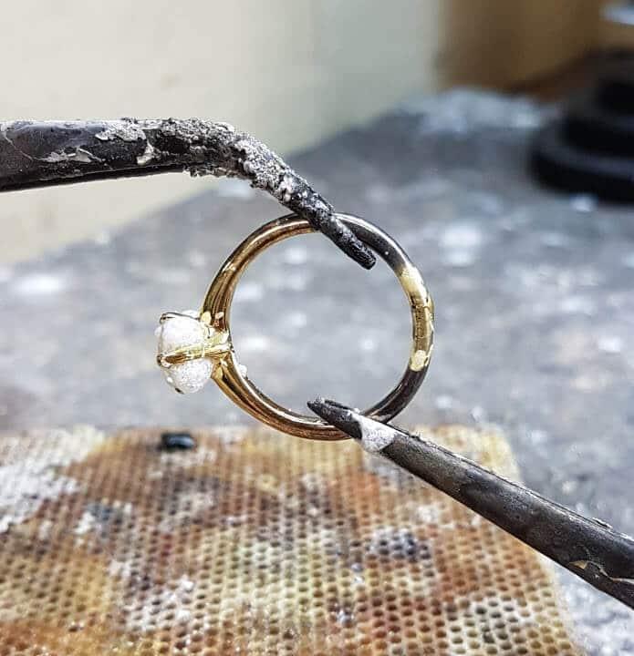 کاربرد اسید بوریک در جواهرسازی